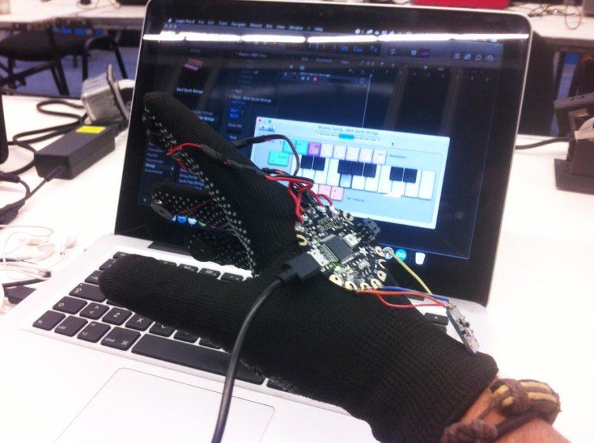 Desarrollando un guante MIDI con Arduino Flora conectado a Logic X en Mac