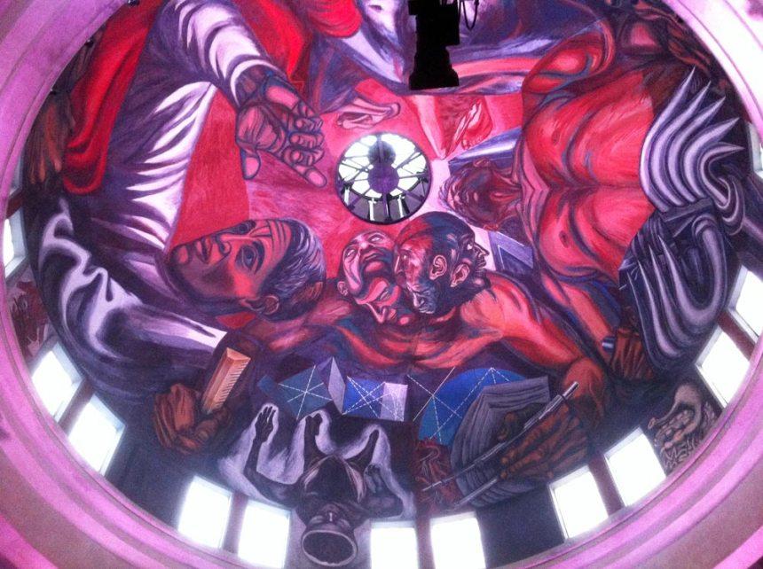 Mural en el techo del Paraninfo del MUSA