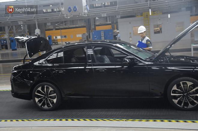 Ảnh: Cận cảnh nhà máy sản xuất ô tô VinFast một tháng trước ngày khai trương - Ảnh 8.