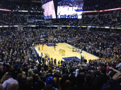 Bankers Life Fieldhouse rocks like it's 1999 as the clock hits zeroes during the Pacers big win.