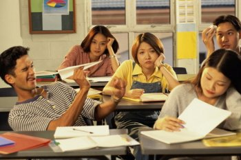 """""""Teacher, this class is boring!"""" – Strategies for Re-Engaging Disengaged Students 