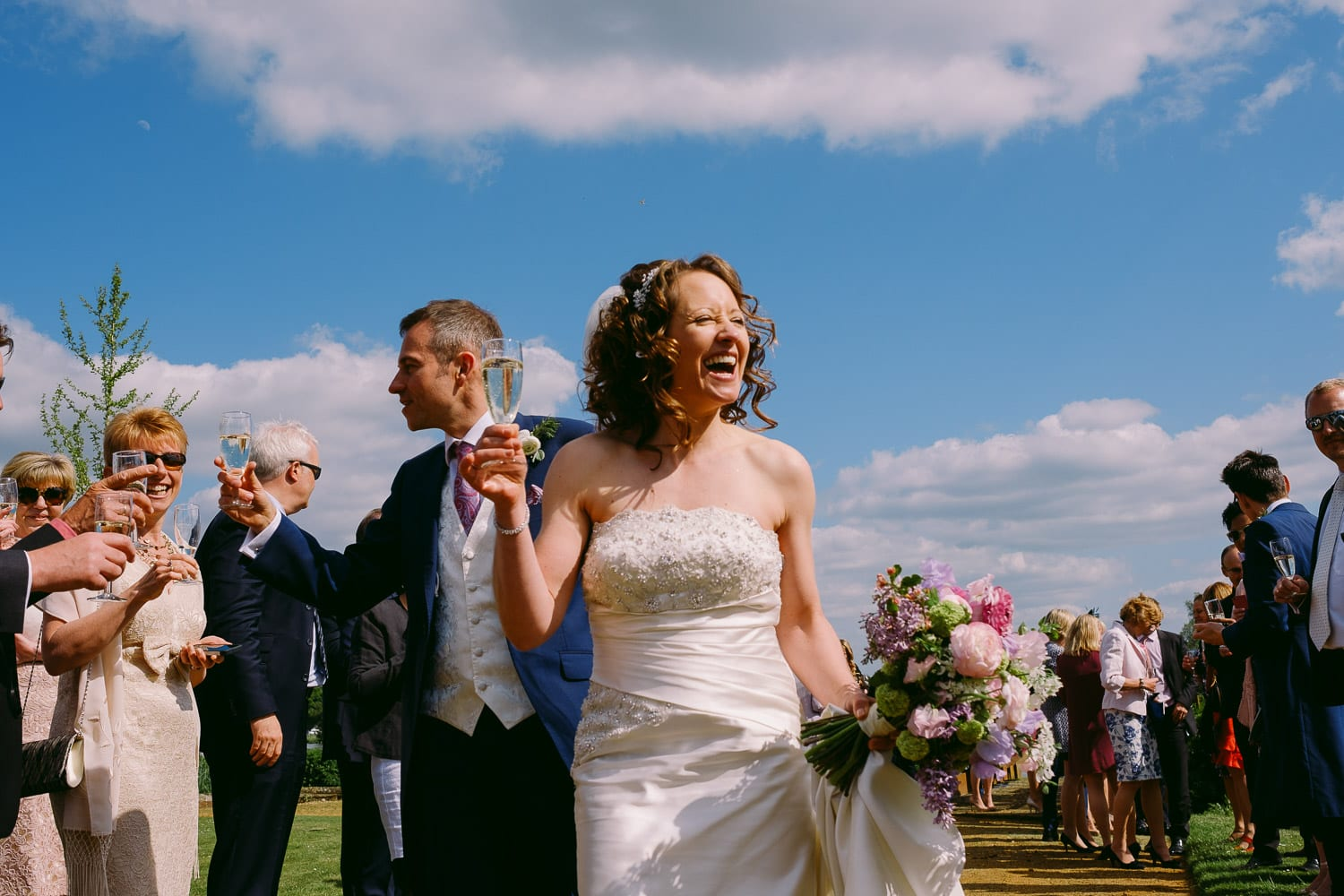 The bride and groom arrive at Greenlands