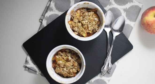 healthy peach cobbler for two www.keystothecucina.com 1