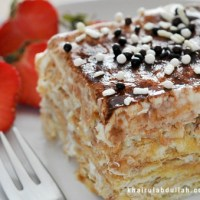 Cream Cracker Layered Cake with Cream Cheese