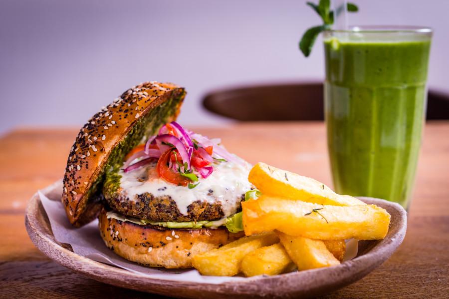 Andina burger. Photo credit: Paul Winch-Furness.