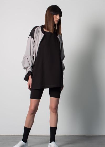 mira-hayek-online-greyjacket