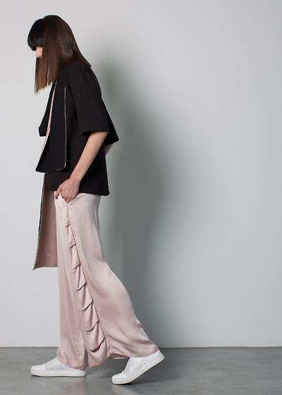 mira-hayek-online-silktrousers
