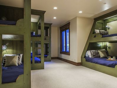 This Park City rental features what may be the sleekest bunk beds ever.
