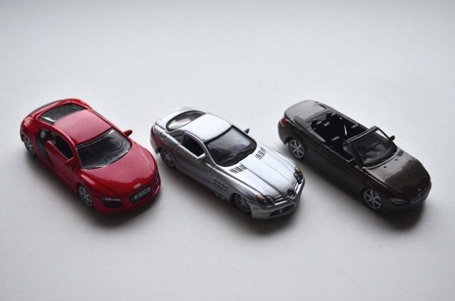 bburago-1-64-die-cast-cars
