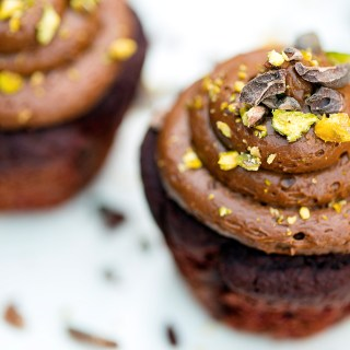 chocolate beetroot cupcakes with chocolate mousse icing