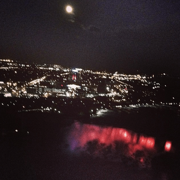 IGTravelThursday Overcoming Acrophobia Skylon Tower Niagara Falls Night View | KidsOnAPlane.com #IGTravelThursday