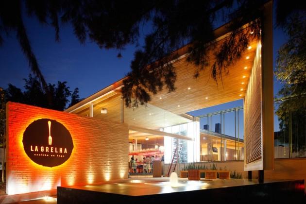 Tham quan nhà hàng La Grelha với thiết kế ấm cúng / Hernandez Silva Architects