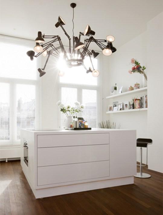 Chiếc đèn chùm làm giàu thêm không gian nội thất