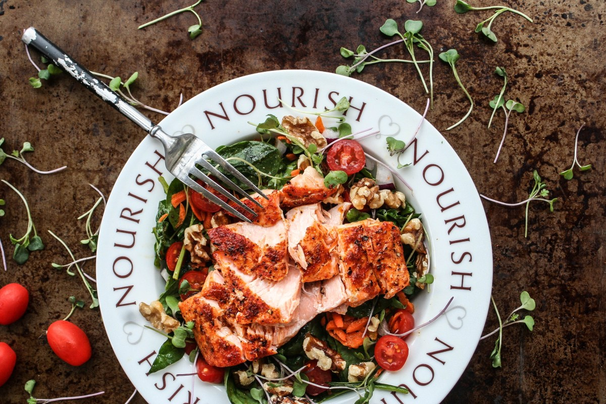 Harissa-Spiced Salmon Salad With Sweet Curry Vinaigrette