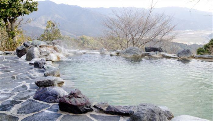 秋にしたいこと 温泉旅行へ行く