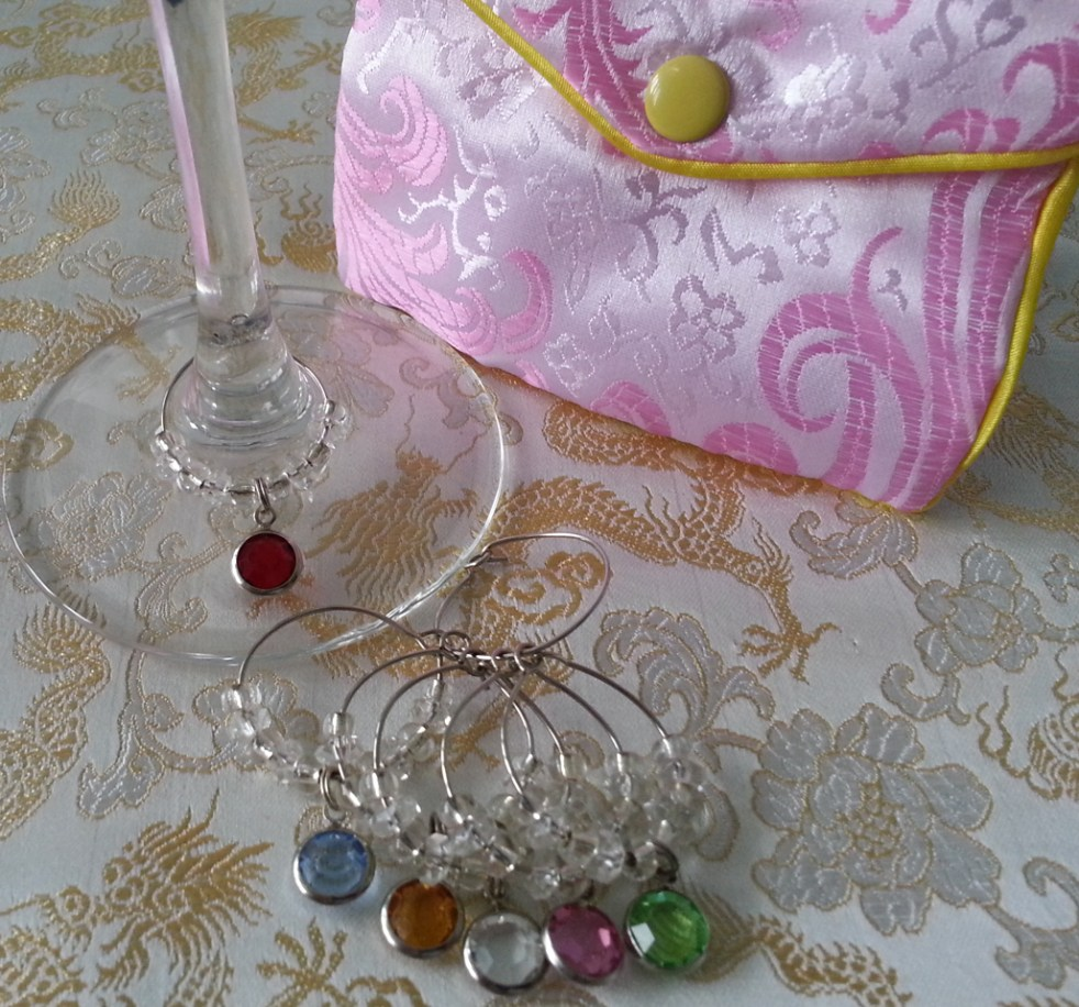 wine-charms-3-set-glass-pouch