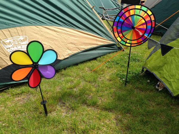 テント飾り風車