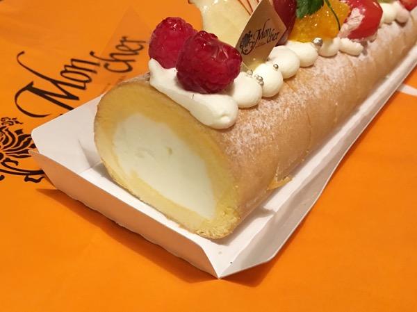 10種のフルーツ堂島ロールケーキ