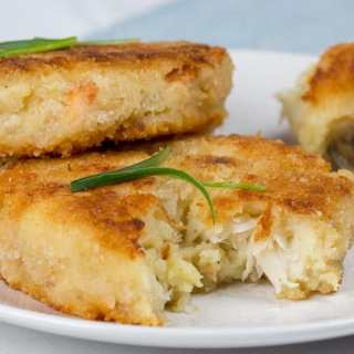 Fish Cakes with Fruity Salad