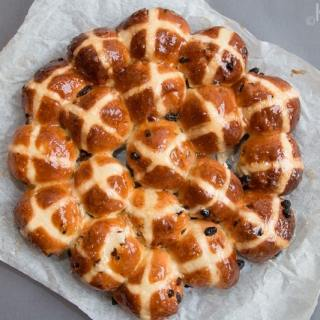 Hot Cross Buns with Marmalade Glaze