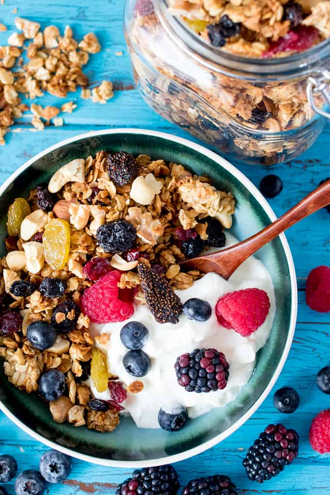 Clusters of crunchy oats, mixed with dried fruit and nuts, this granola is so good, you'll be eating it straight out of the jar.