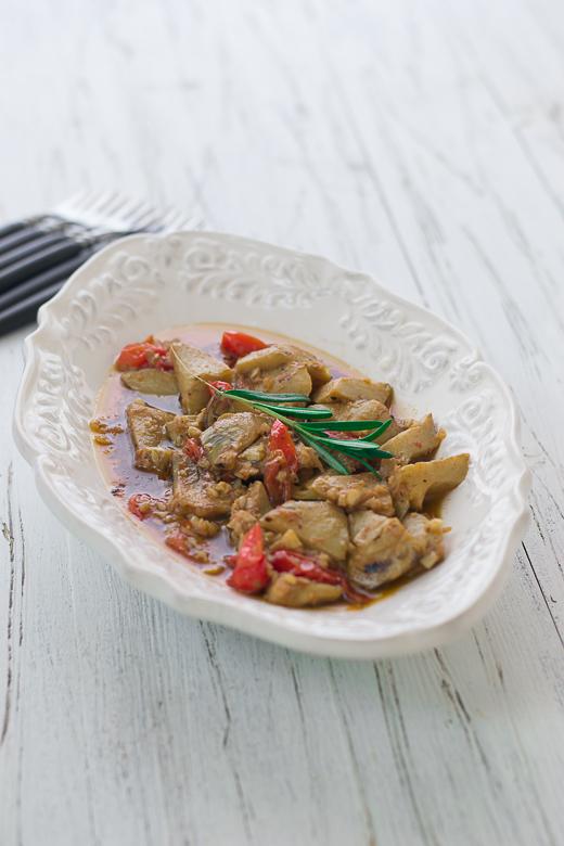 artichokes al ajillo in dish