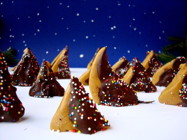 Chocolate Peanut Butter Christmas Trees (gluten free) easy gluten free christmas cookies homemade christmas candy