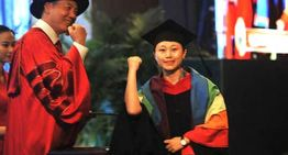 Student Bravely Wears Rainbow Flag and Comes Out at her Graduation Ceremony in China