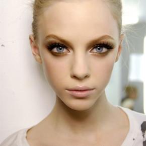 Идеи макияжа для маленького черного платья - 3_gold-champagne-eyes