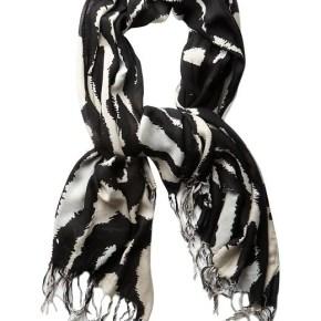 6 - Чёрно-белый шарф - 7 модных шарфов, которые согреют холодной зимой 2013-2014 года