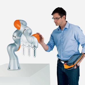 ヒトの腕と同じ感覚で作業ができる協調ロボット