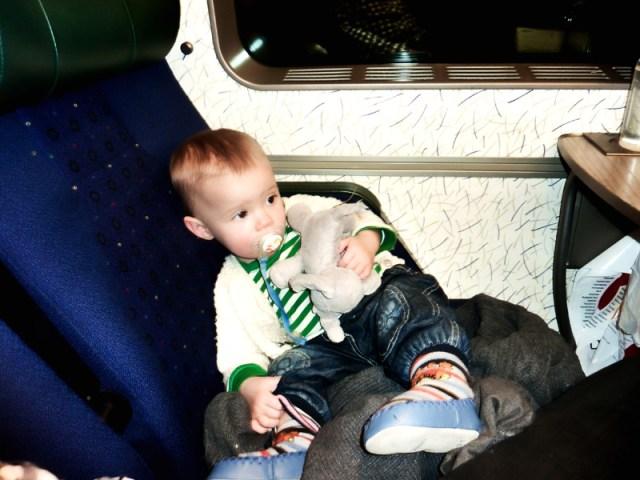 Smilla på väg hem till sin mamma efter en tur i Karlskona