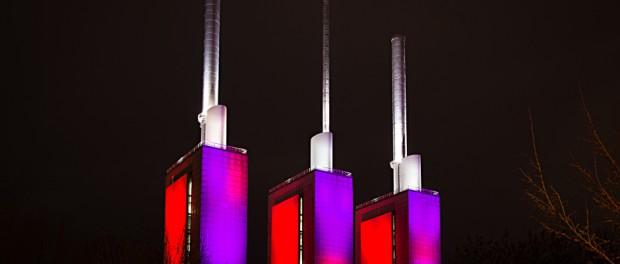 Heizkraftwerk Linden bei Nacht, die drei warmen Brüder