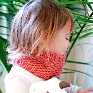 Toddler Honey Cowl | knittedbliss.com