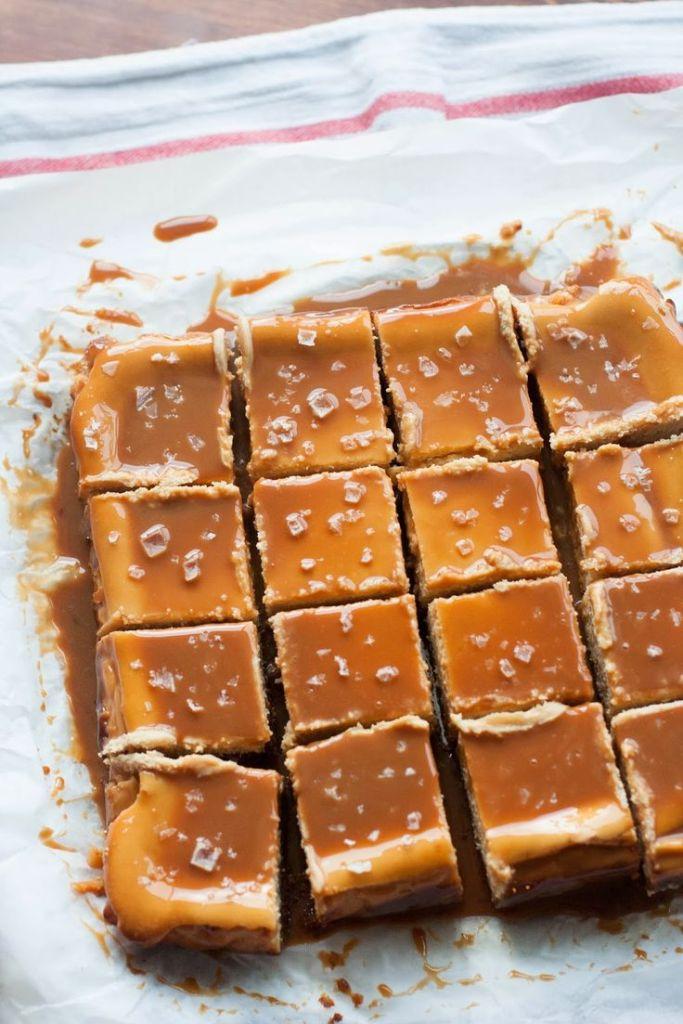 Pin Ups and Link Love: Dulche du Leche Cheesecake Bars   knittedbliss.com