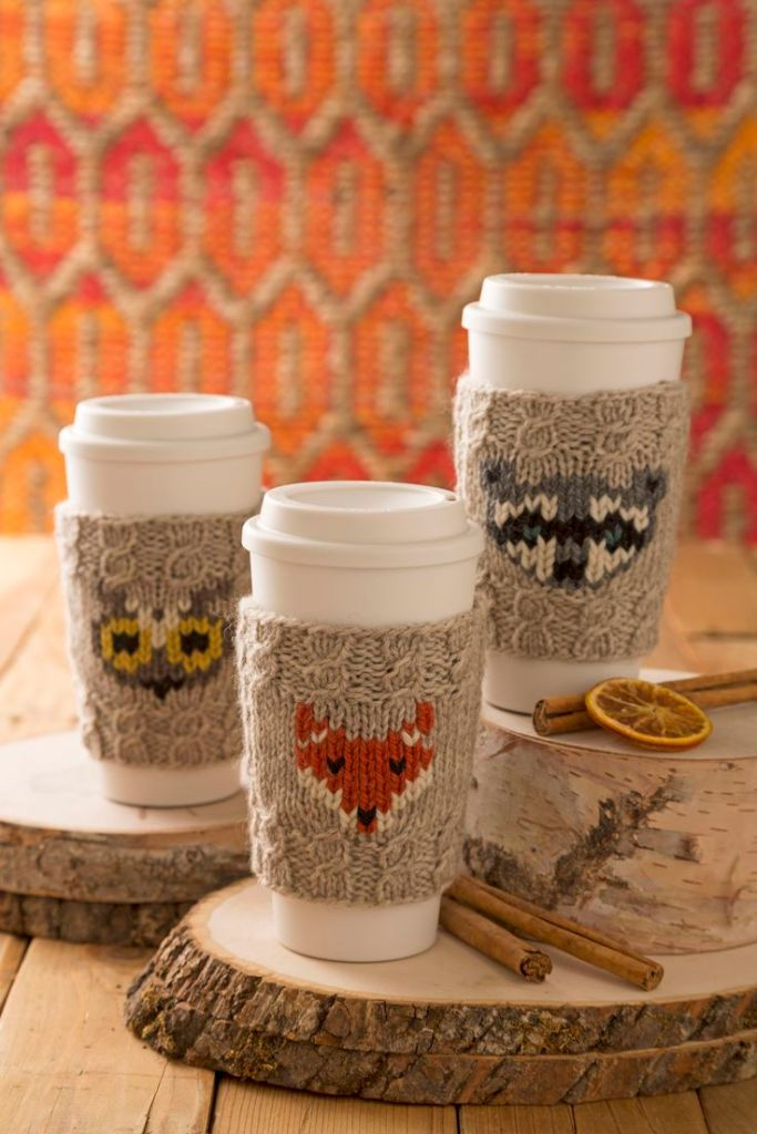 Pin Ups and Link Love: Woodland coffee sleeves   knittedbliss.com