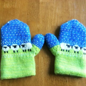 Modification Monday: Sheepy Mitts | knittedbliss.com