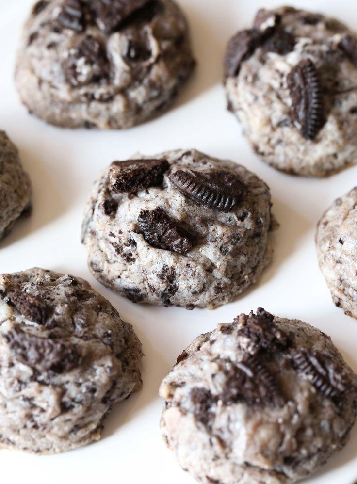 Pin Ups and Link Love: Oreo Cheesecake Cookies | knittedbliss.com