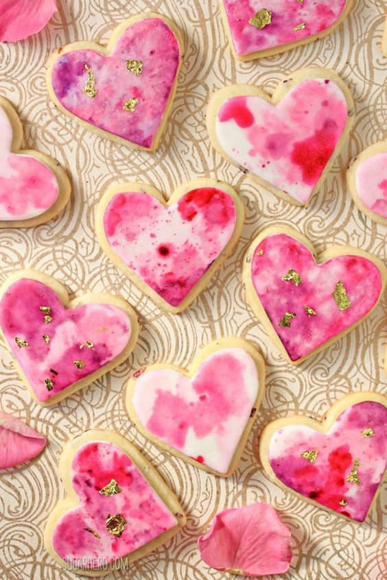 Pin Ups and Link Love: Rose Heart Cookies | knittedbliss.com