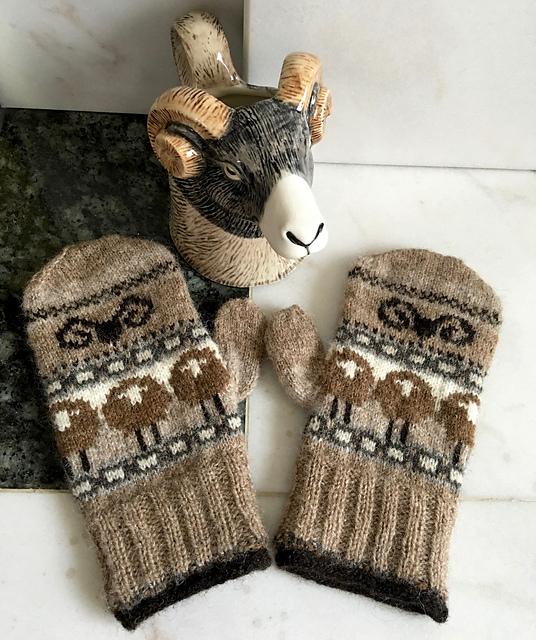 Modification Monday: Heid Sheep | knittedbliss.com