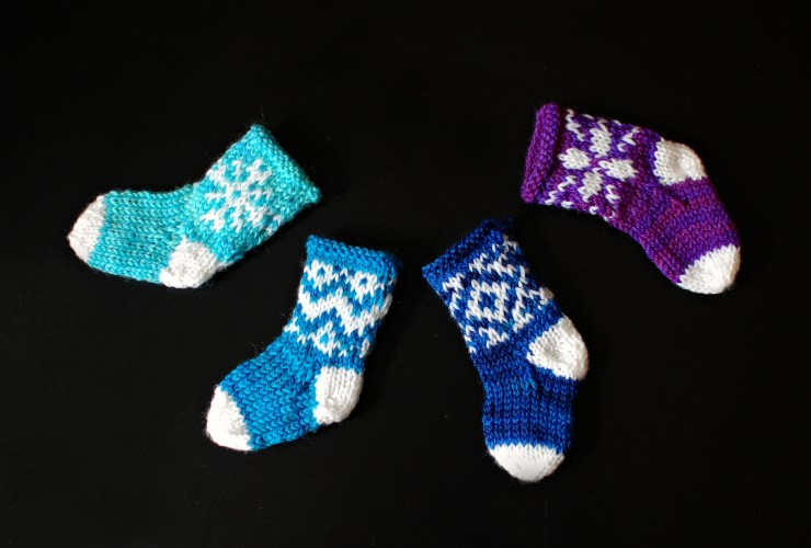 Mini Stockings | knittedbliss.com