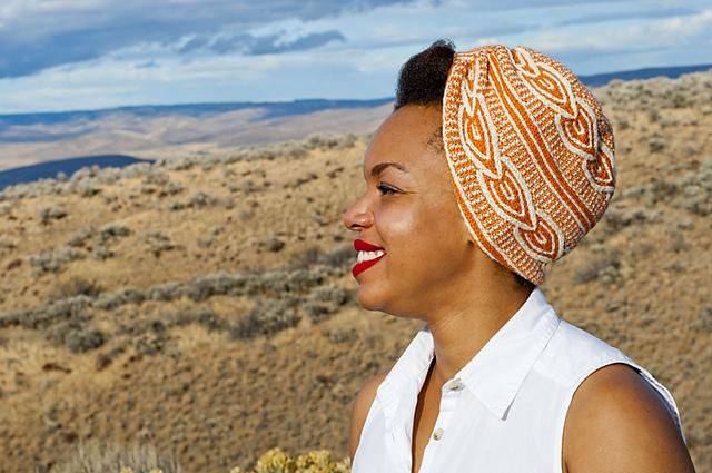 Stranded Magazine Review | knittedbliss.com