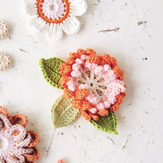 Pin Ups and Link Love: Crocheted Flowers| knittedbliss.com