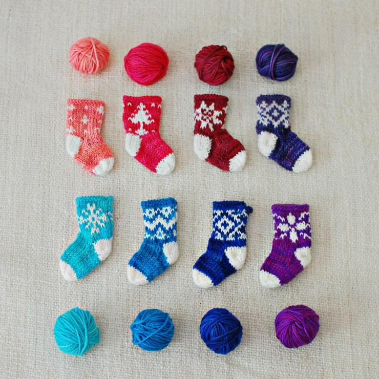 Mini Stockings | knittedbliss.com