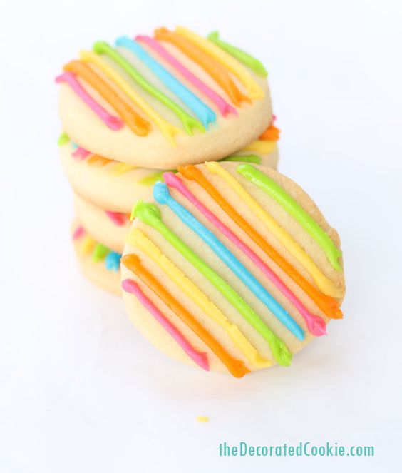 Pin Ups and Link Love: Rainbow Stripe Cookies | knittedbliss.com