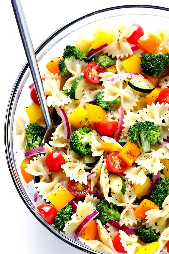 Pin Ups and Link Love: Veggie Lovers Pasta Salad | knittedbliss.com
