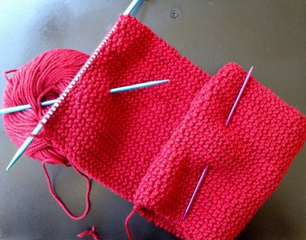 use a dpn to fold and hold a knitting project