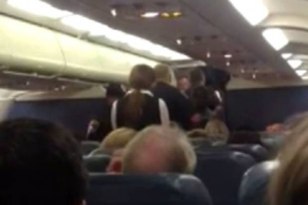 woman escorted off plane after fight with knitter
