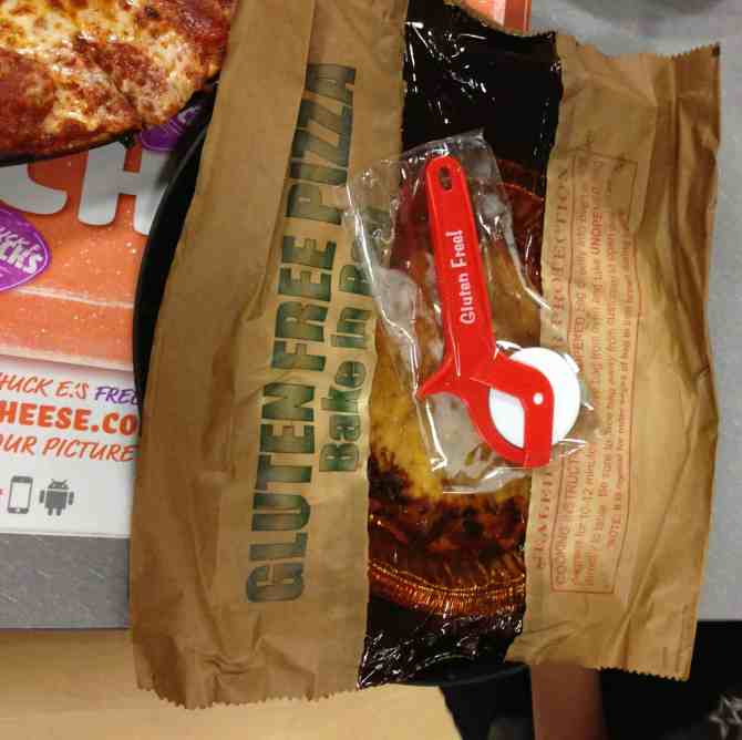 chuck e cheese gluten free pizza in bag