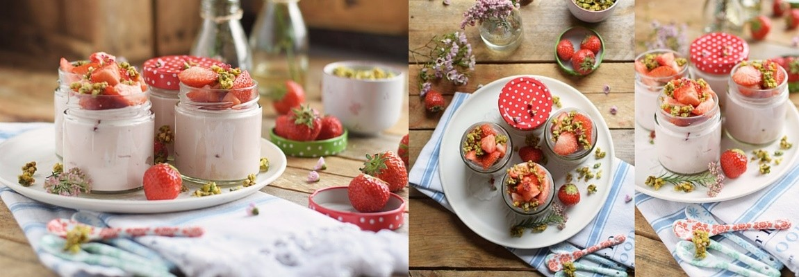 Erdbeerdessert it Pistazienkrokant – Strawberry Yogurt Dessert with pistachio brittle Rezept